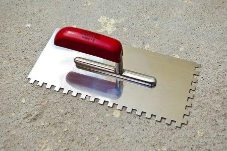 Зубчатый шпатель для укладки