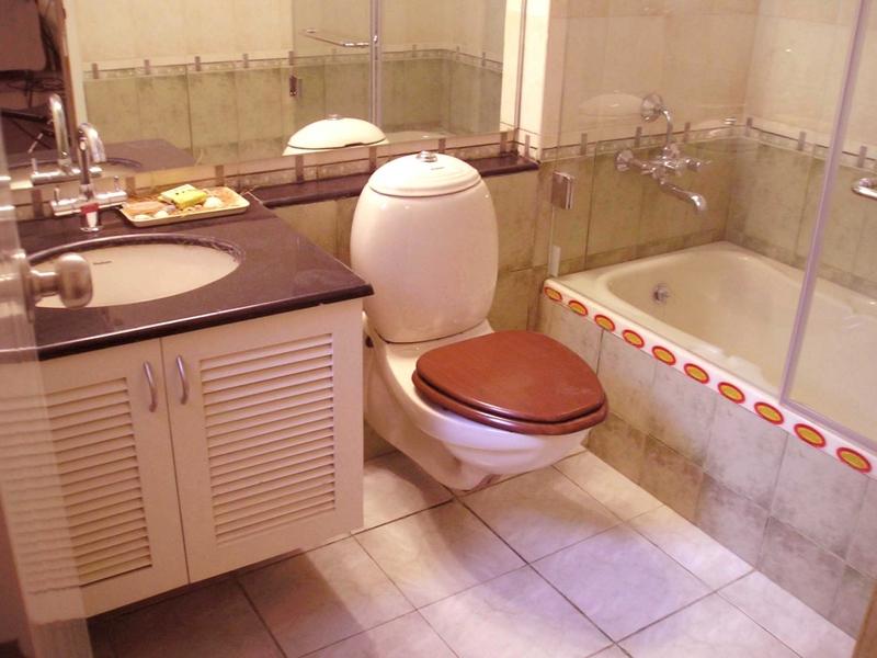 Ремонт в небольшой ванной классичесский стиль