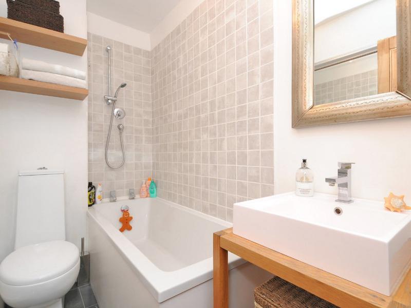 Ремонт маленькой ванной комнаты классичесский стиль