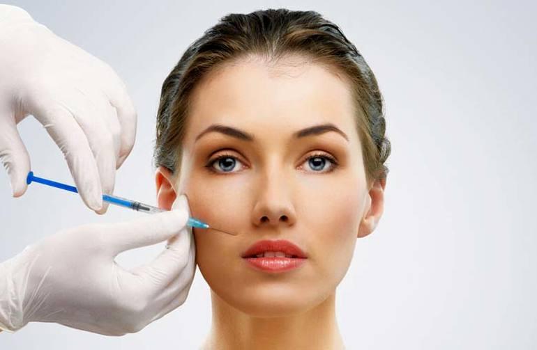 Когда стоит начать делать мезотерапию лица