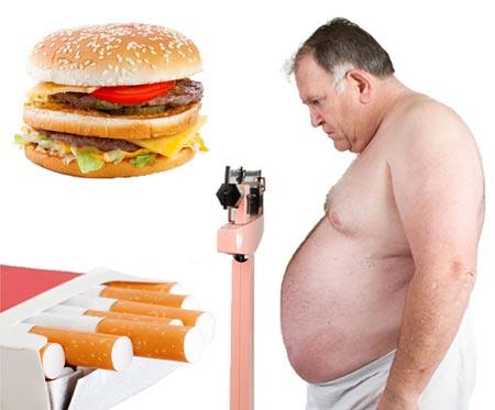 Мужчина с ожирением, сигареты и вредная еда